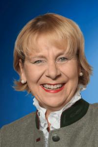 Gabriele Off-Nesselhauf, Bezirksrätin