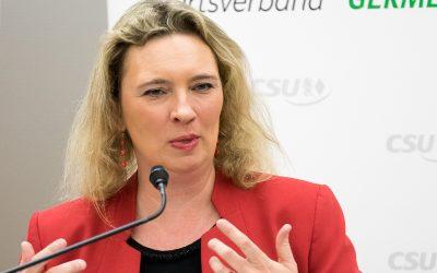Integrationsbeauftragte Kerstin Schreyer zu Gast bei der Interkulturellen Woche in Germering